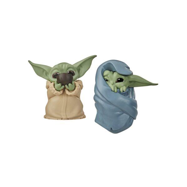 Star Wars - The Child Avvolto In Una Coperta e Con Minestrina (2 Action Figure da 5,5cm del personaggio conosciuto anche come Baby Yoda, ispirate alla Serie Disney+ The Mandalorian - 3 di 3 della collezione The Bounty Collection)