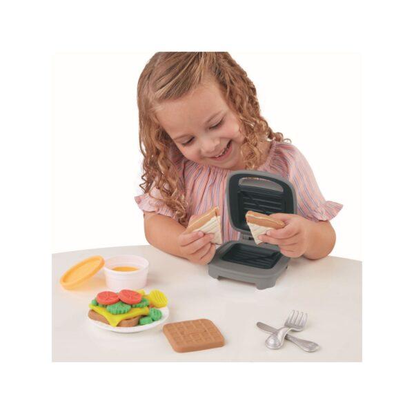 Play-Doh - Sandwich formaggioso (Playset con 1 vasetto di pasta da modellare Play-Doh Elastix, 6 vasetti di pasta da modellare Play-doh e accessori, Kitchen Creations).