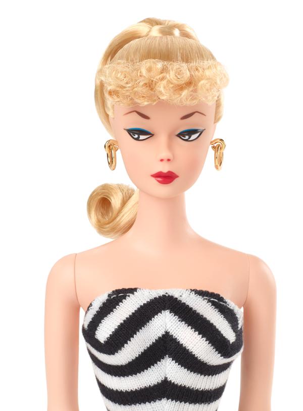 Barbie  Barbie Signature, Riproduzione Bambola da Collezione con Costume da Bagno