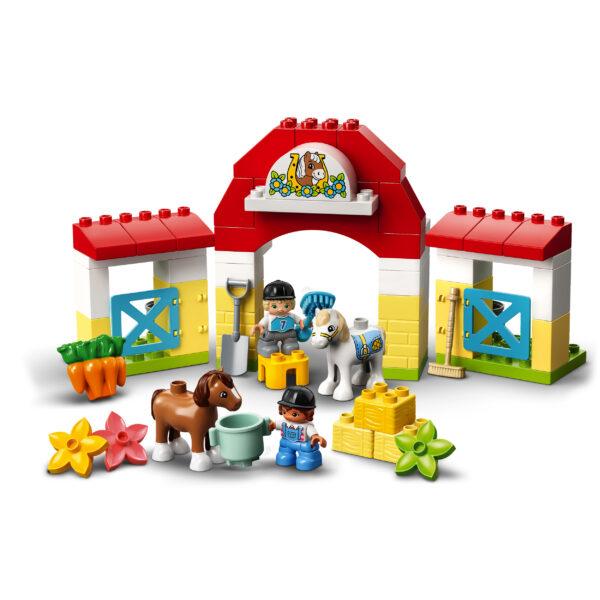 LEGO DUPLO  LEGO DUPLO Town Maneggio, Giocattoli per Bambini 2+ Anni, Playset con Stalla e Pony, Giochi Prima Infanzia, 10951
