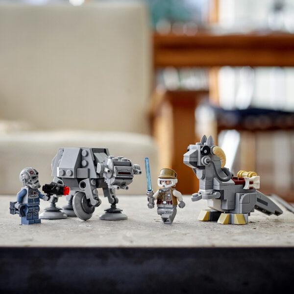 LEGO Star Wars Microfighter AT-AT vs Tauntaun, Set di Costruzioni con Minifigure di Luke Skywalker e del Pilota, 75298   Lego
