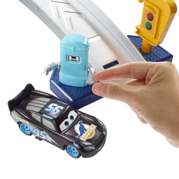 Cars, Pixar   Disney Pixar Cars Playset Autolavaggio Dinoco Cambia Colore, con Veicolo Pitty e Macchinina Saetta McQueen, 4+Anni