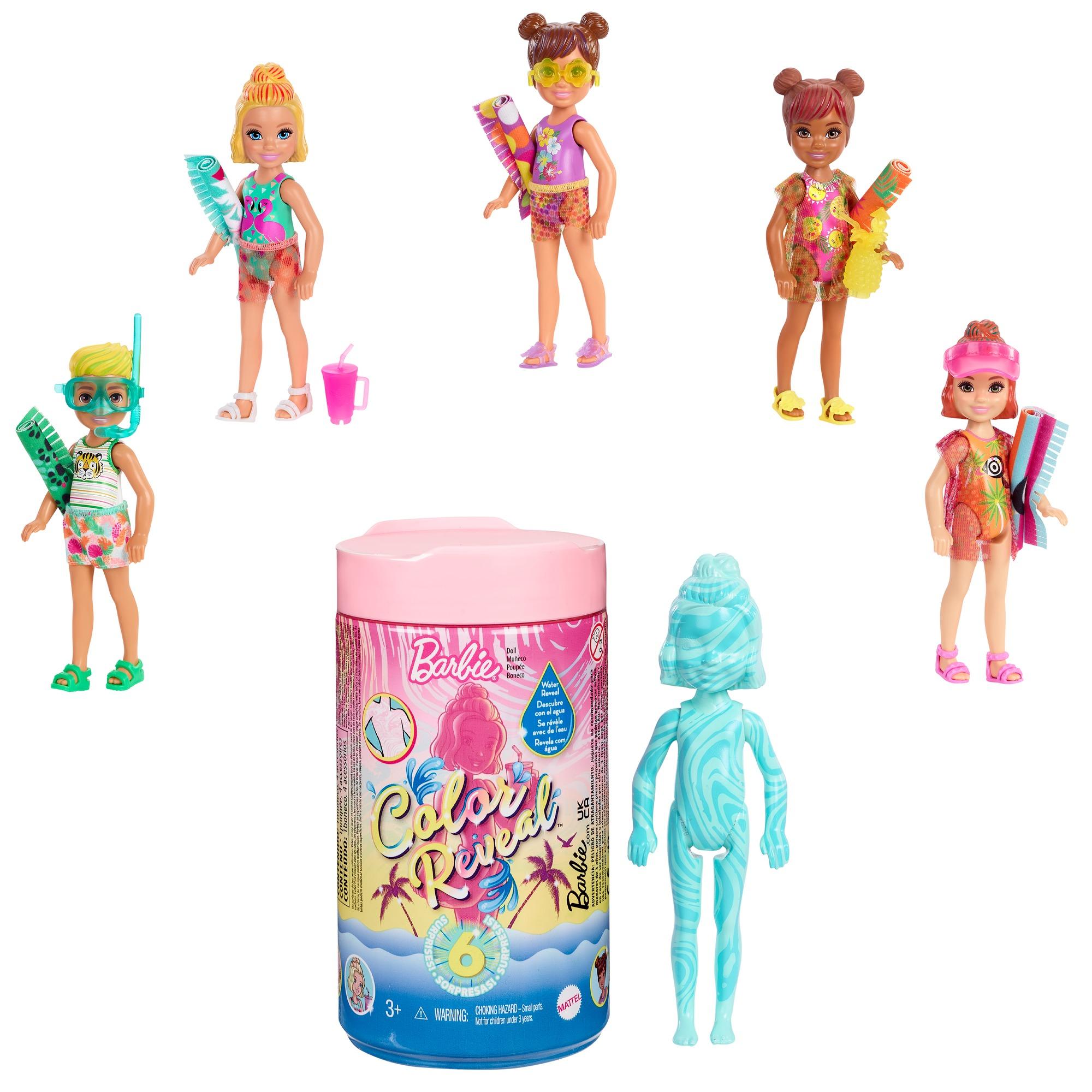 barbie - chelsea color reveal, bambola con 6 sorprese, l'acqua rivela il look della bambola linea beach, per bambini 3+ anni -