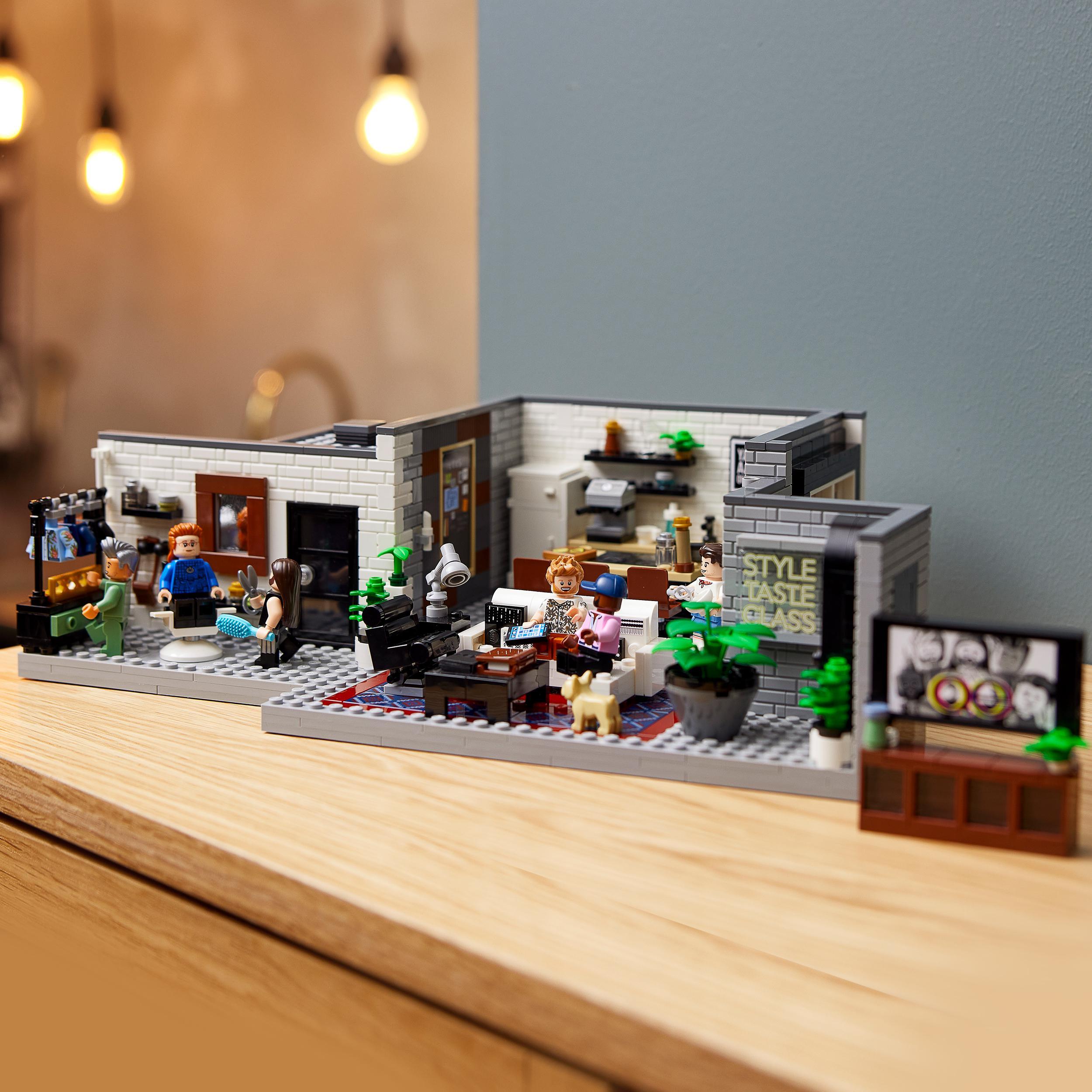 Lego creator expert queer eye - loft dei fab five, set di costruzioni per adulti, modello da collezione serie tv netflix, 10291 -