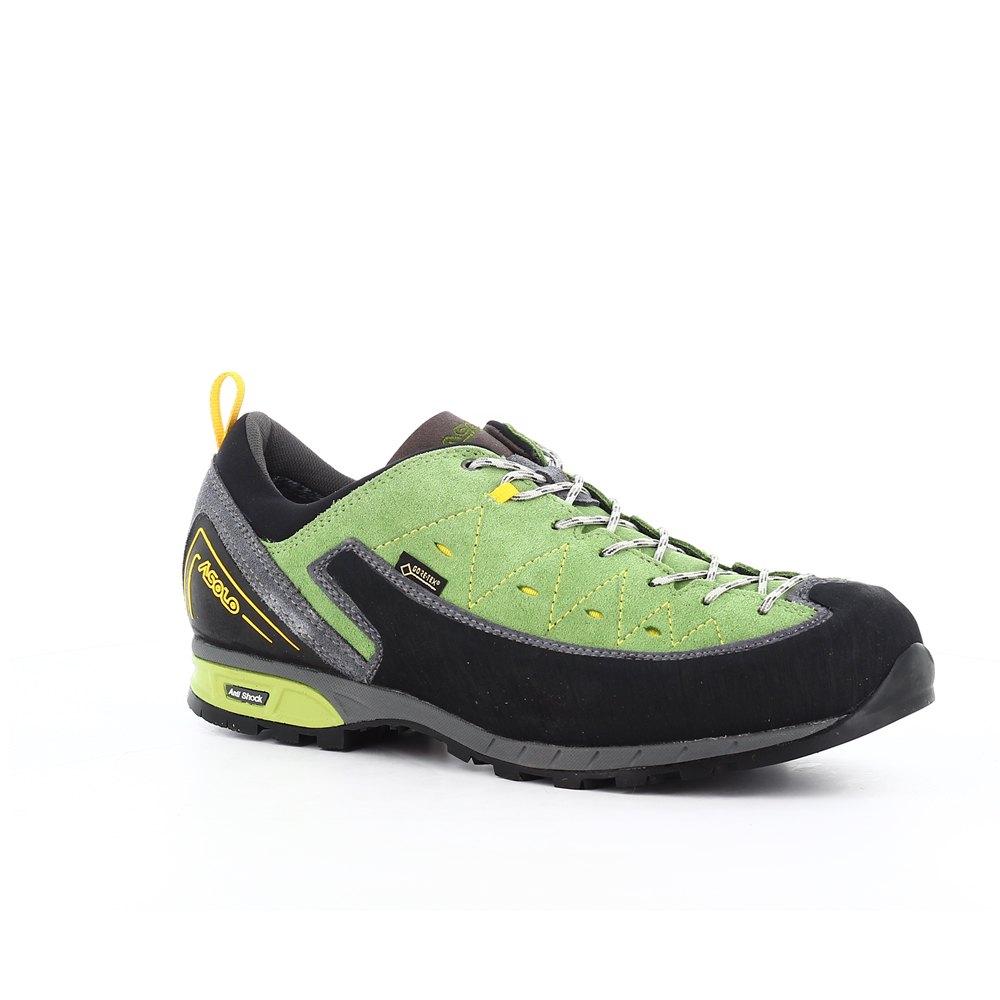 Brukt grønn og svart Nike høy topp joggesko til salgs i Ås