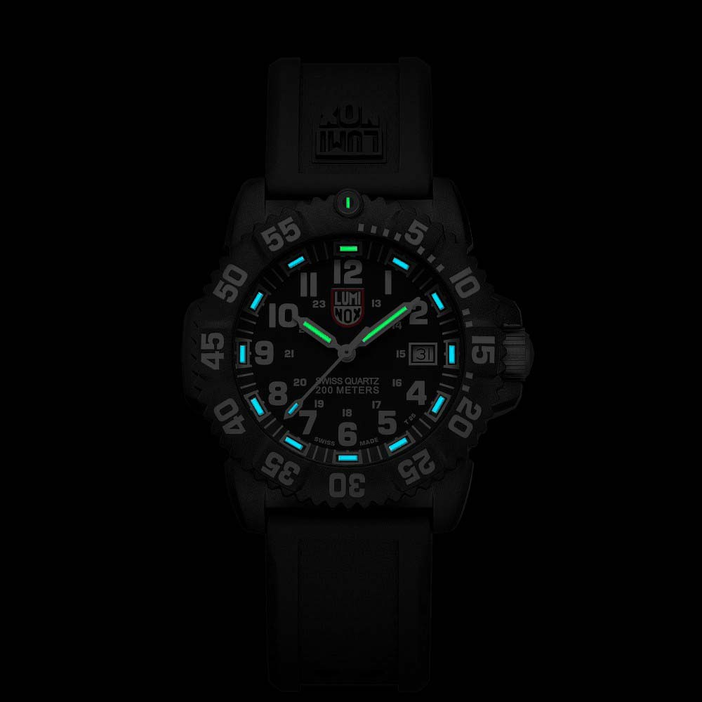 Luminox Navy Seal Farbemark 7051 Mehrfarben    Uhren Luminox  angelsport 4c0b9d