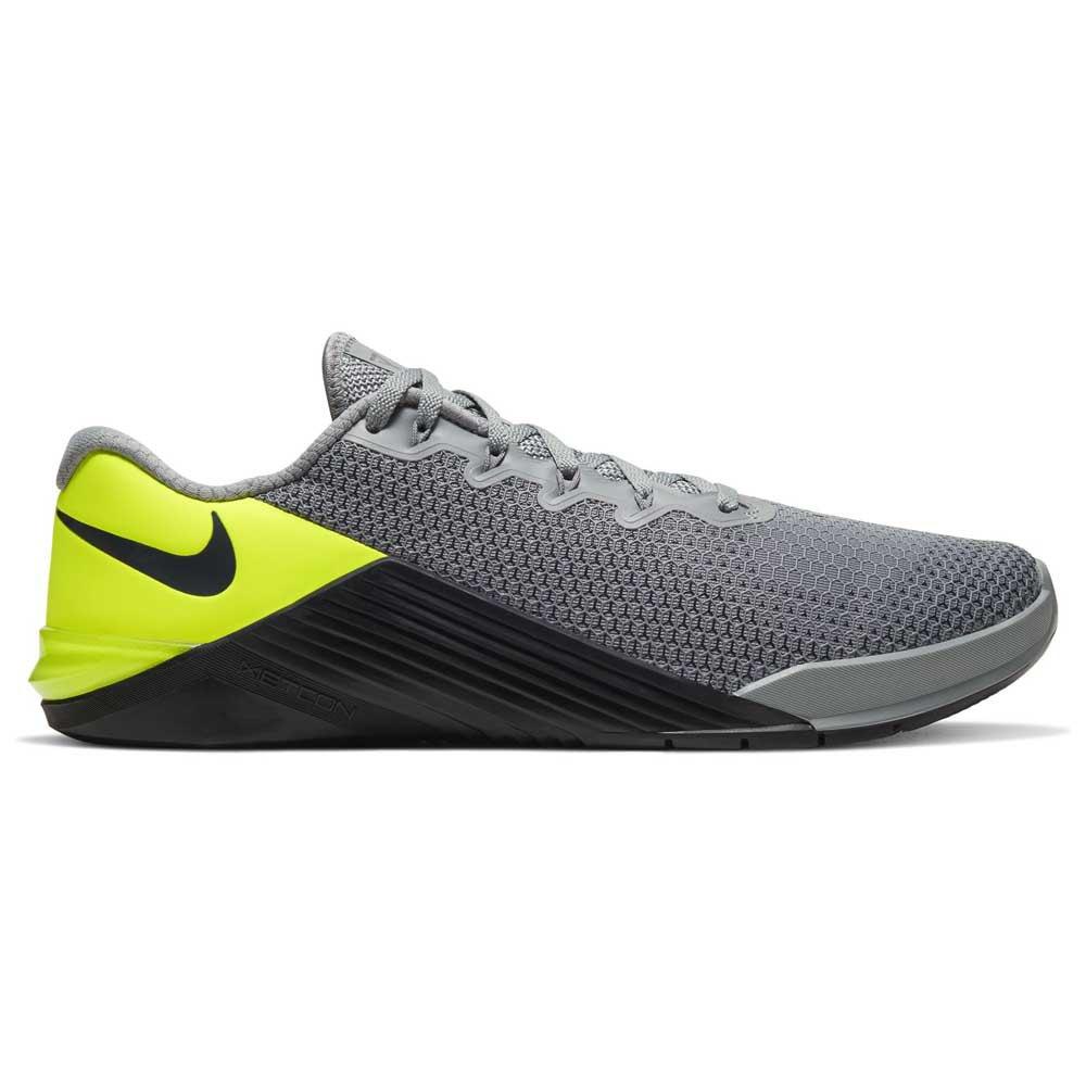 Nike Metcon 5 EU 43 Particle Grey / Dk Smoke Grey / Barely Volt