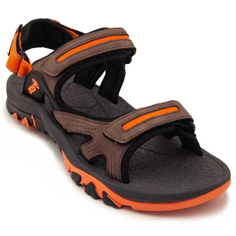sandals-tundra