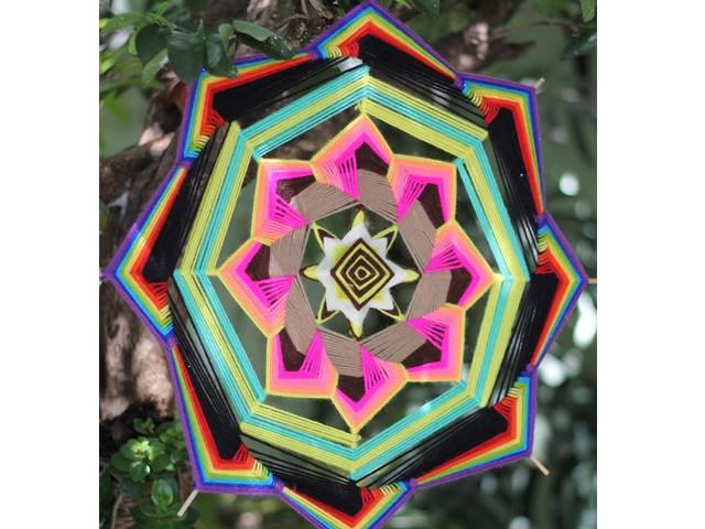 Mandala Arco Íris - 8 pontas 50cm