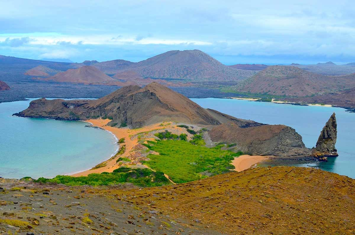 Deluxe Central & Southern Galapagos Islands Vessel Cruise Journey