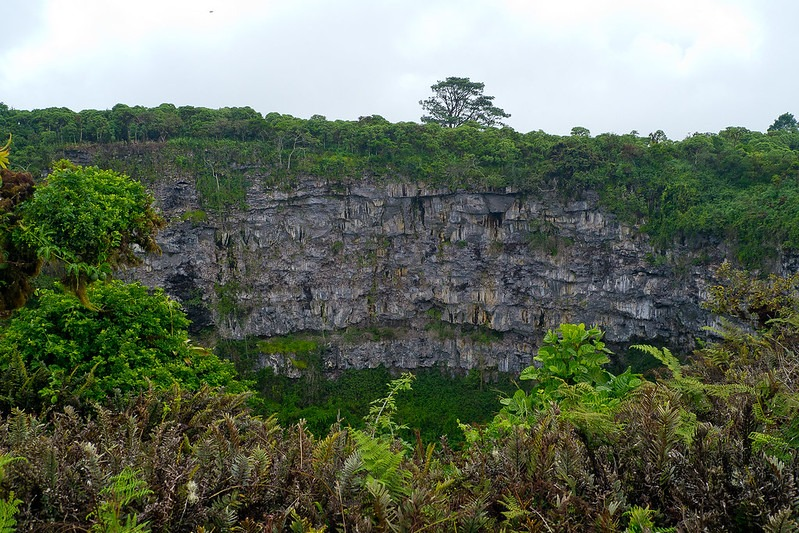 Twin Craters | Galapagos