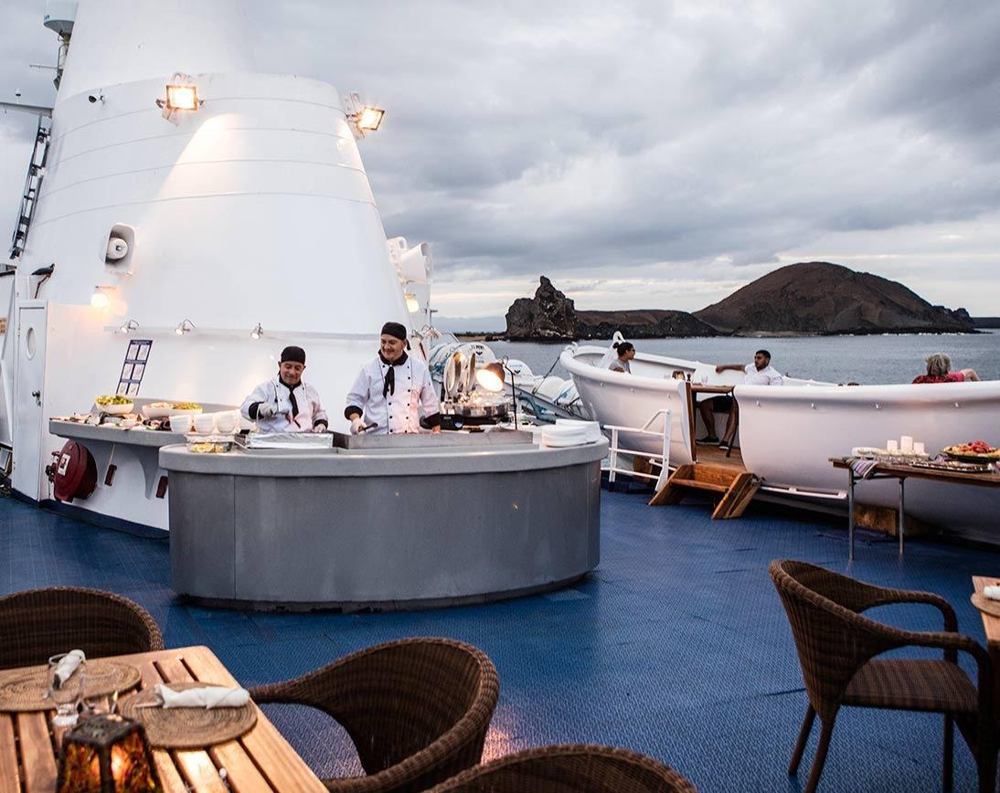 Galapagos Legend    Galapagos Cruises