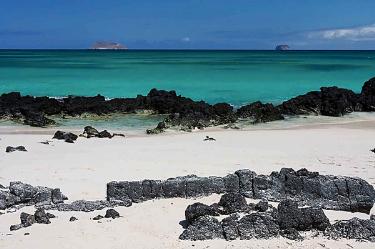 Bachas Beach | Galapagos Islands - Islas Galápagos