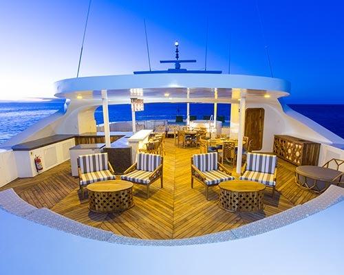 Elite    Galapagos Cruises