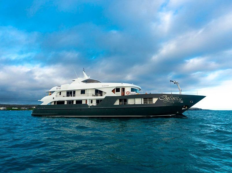 Galapagos Infnity Yacht