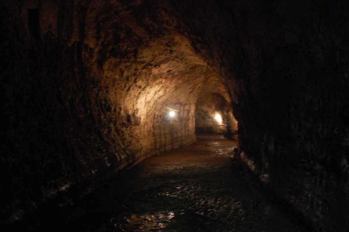 Lava Tunnels | Galapagos - Islas Galápagos