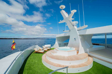 Ocean Spray |  Galapagos Cruises