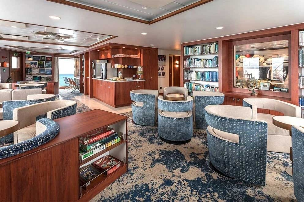 National Geographic Endeavour II | Living Area