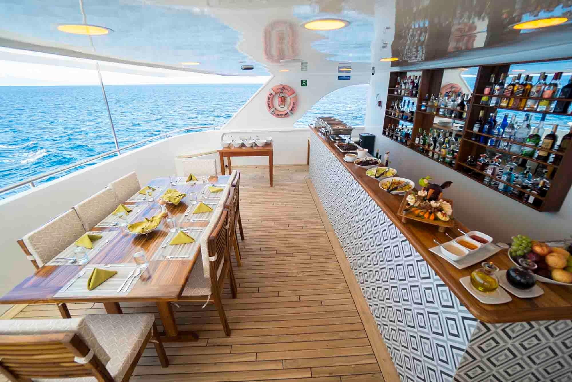 Bar | Ocean Spray Catamaran
