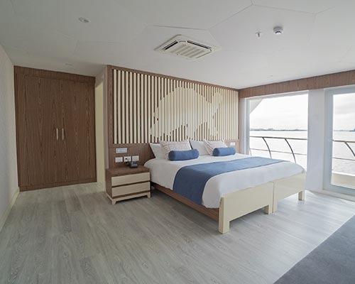 Golden suite | Elite Catamaran