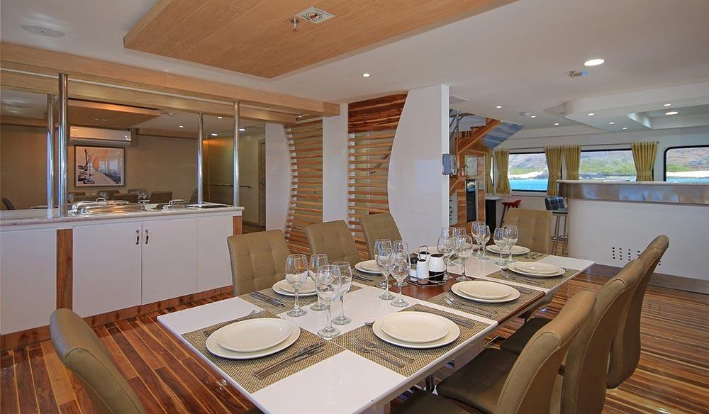 Grand Quen Beatriz | Dining Room