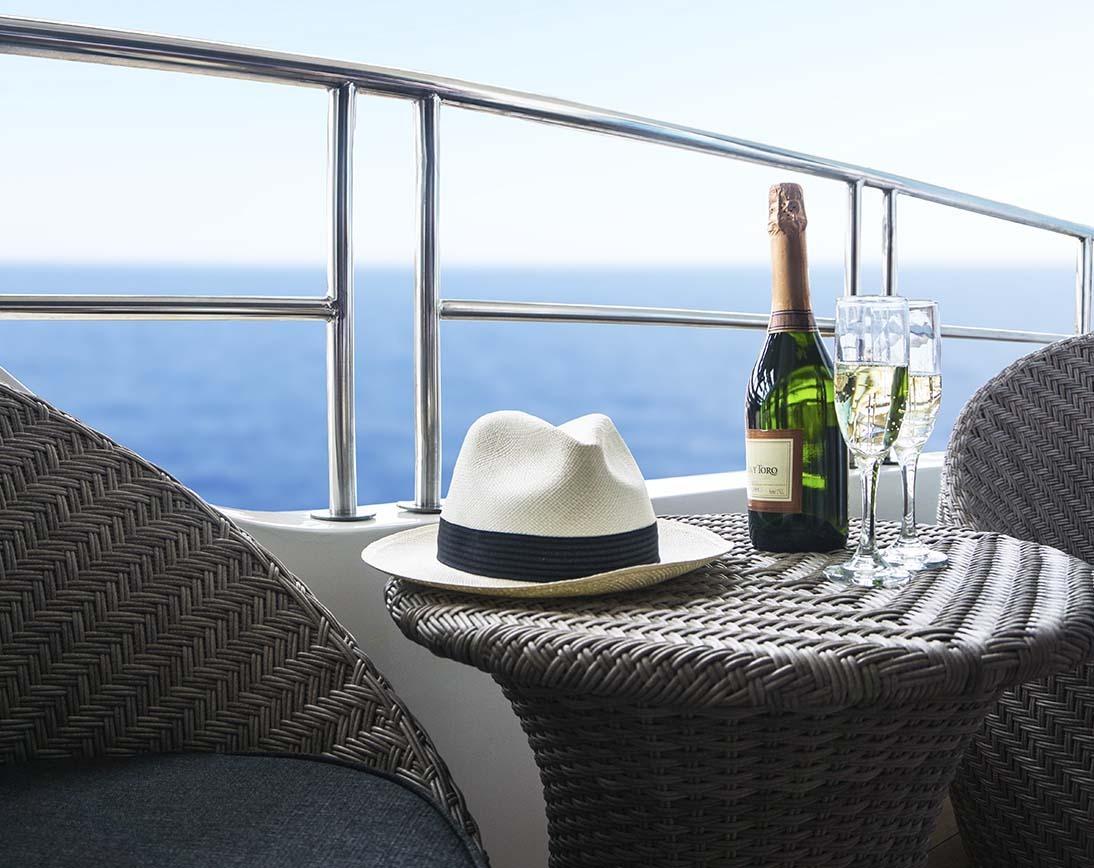 Balcony | Infinity Yacht