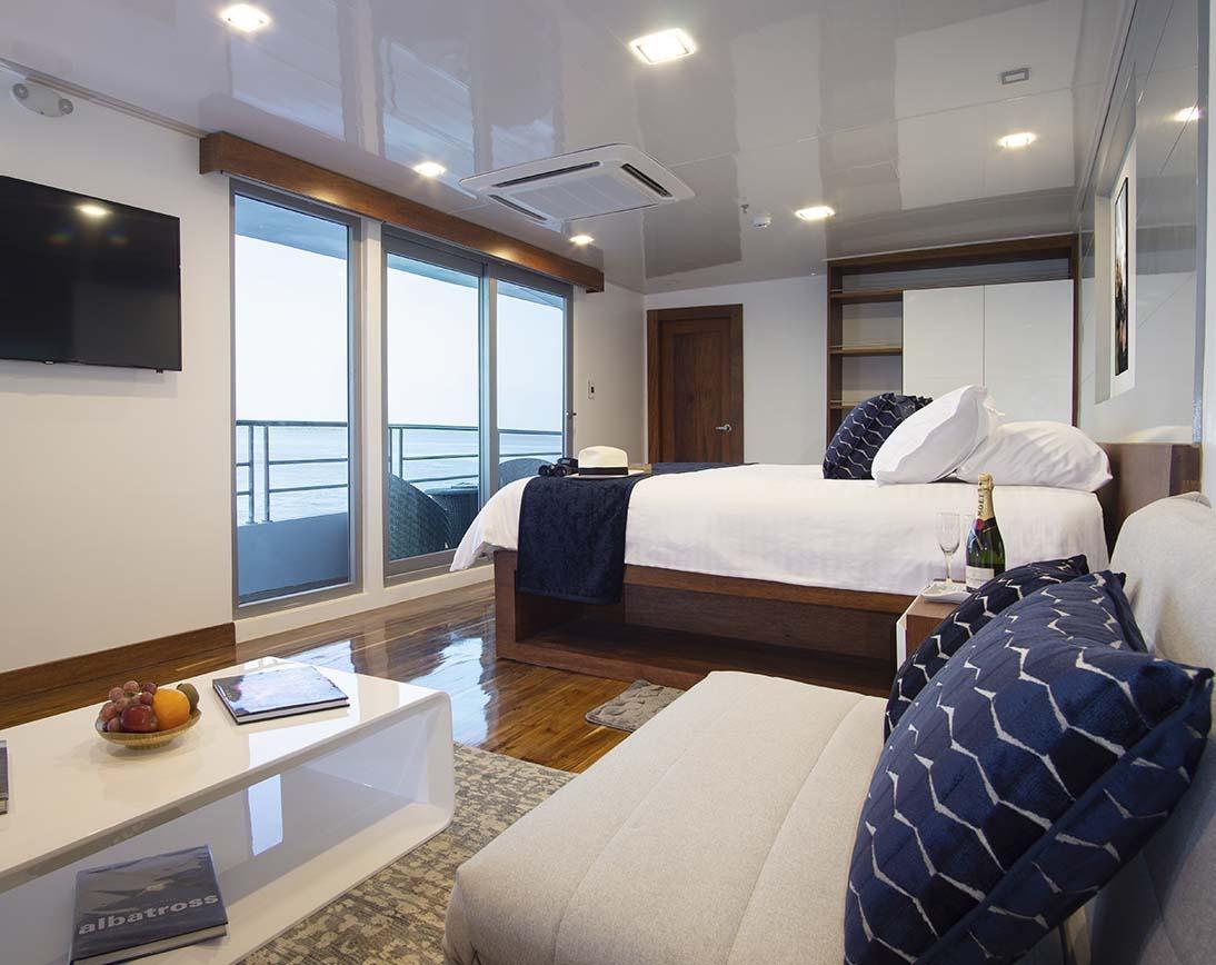 Room | Infinity Yacht