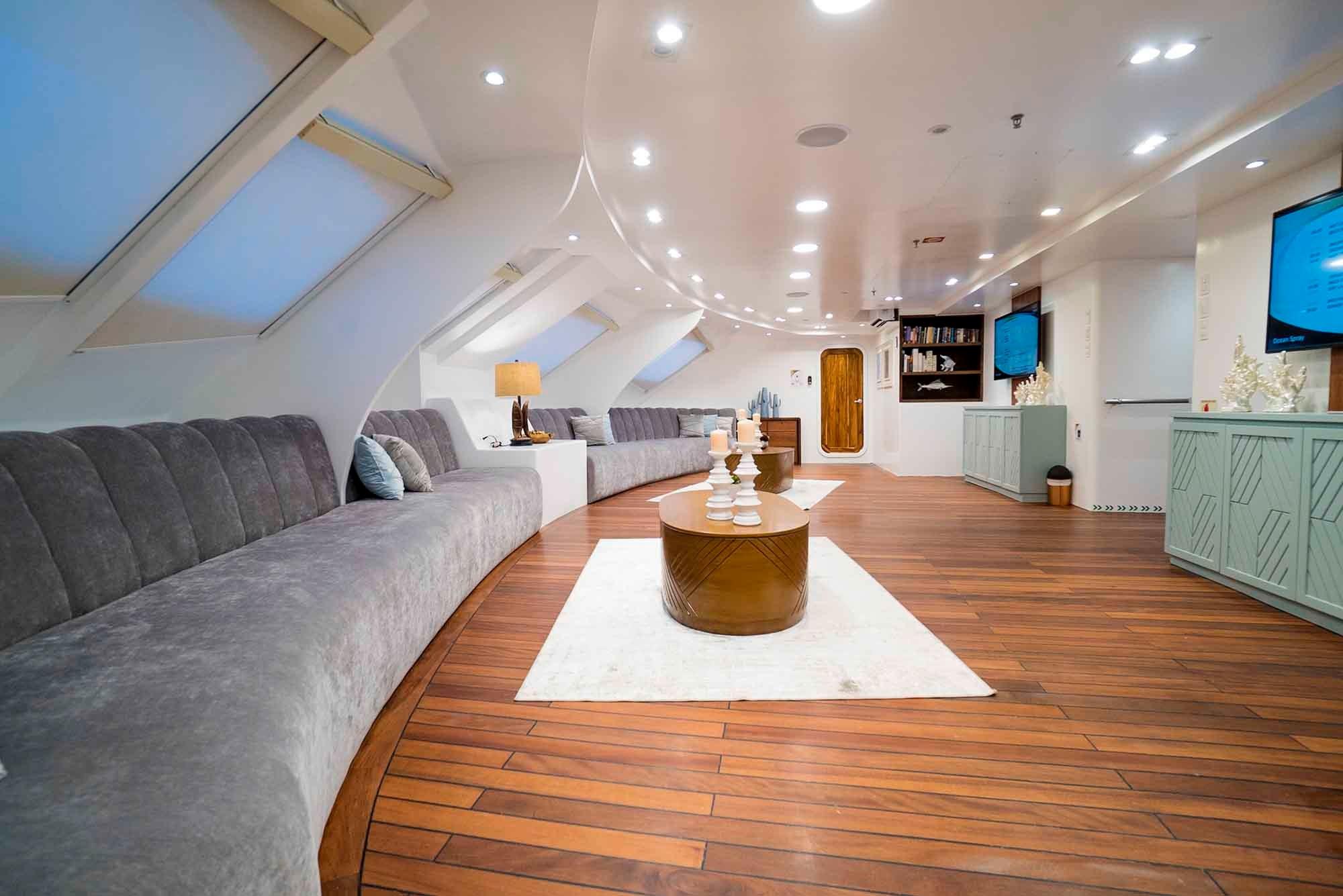 Living area | Ocean Spray Catamaran