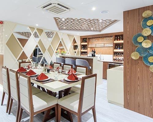Dining area | Elite Catamaran