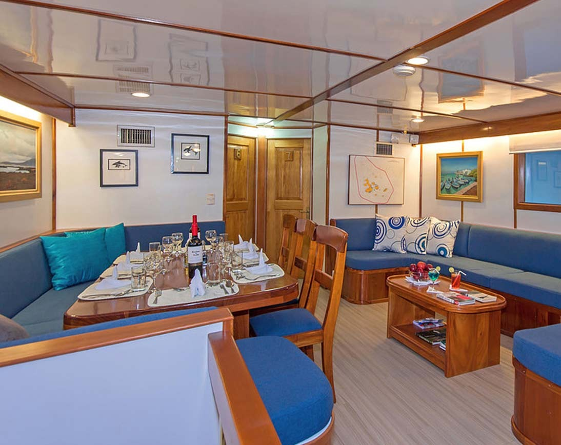 Living area   Beluga Yacht