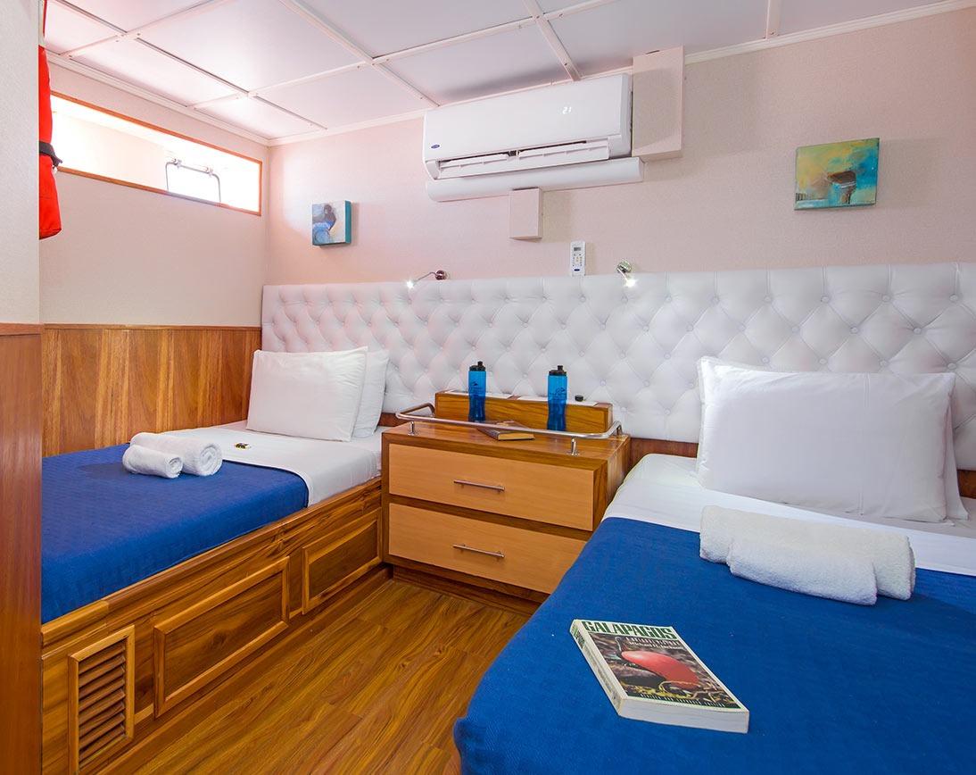 Bedroom   Blue Spirit Yacht