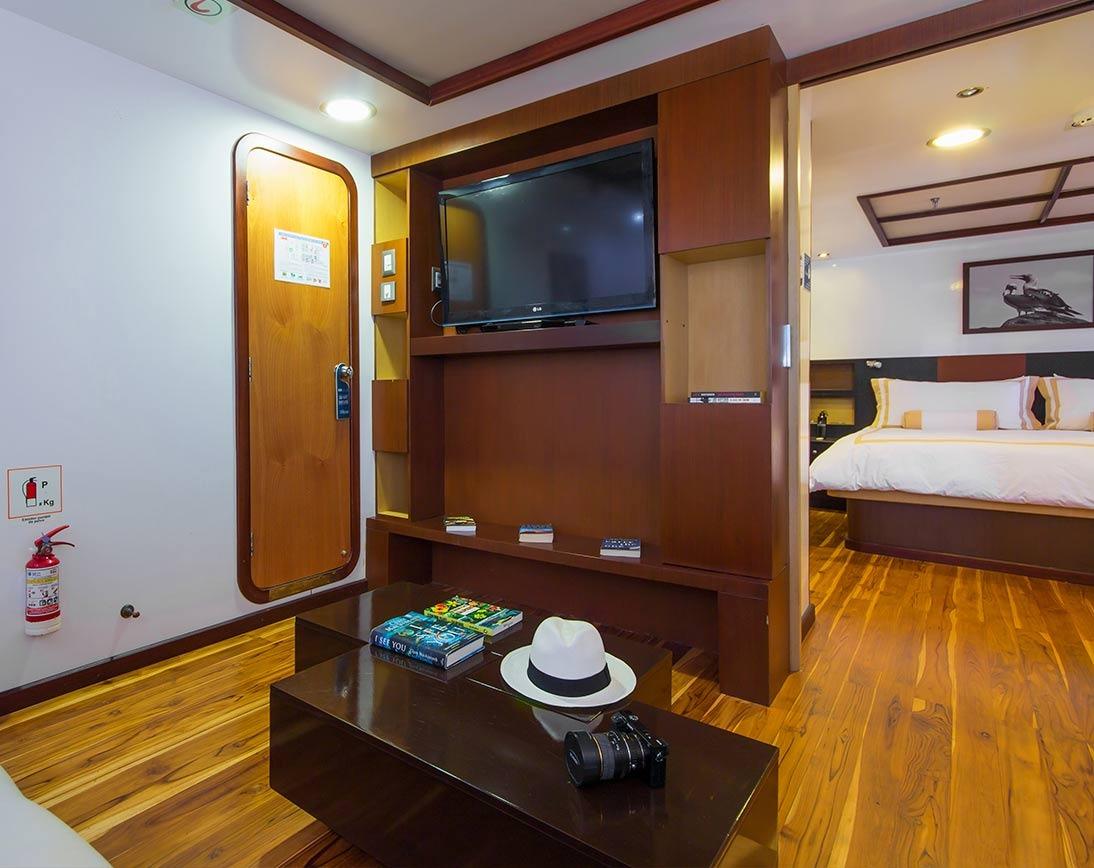 Bedroom   Cormorant Catamaran