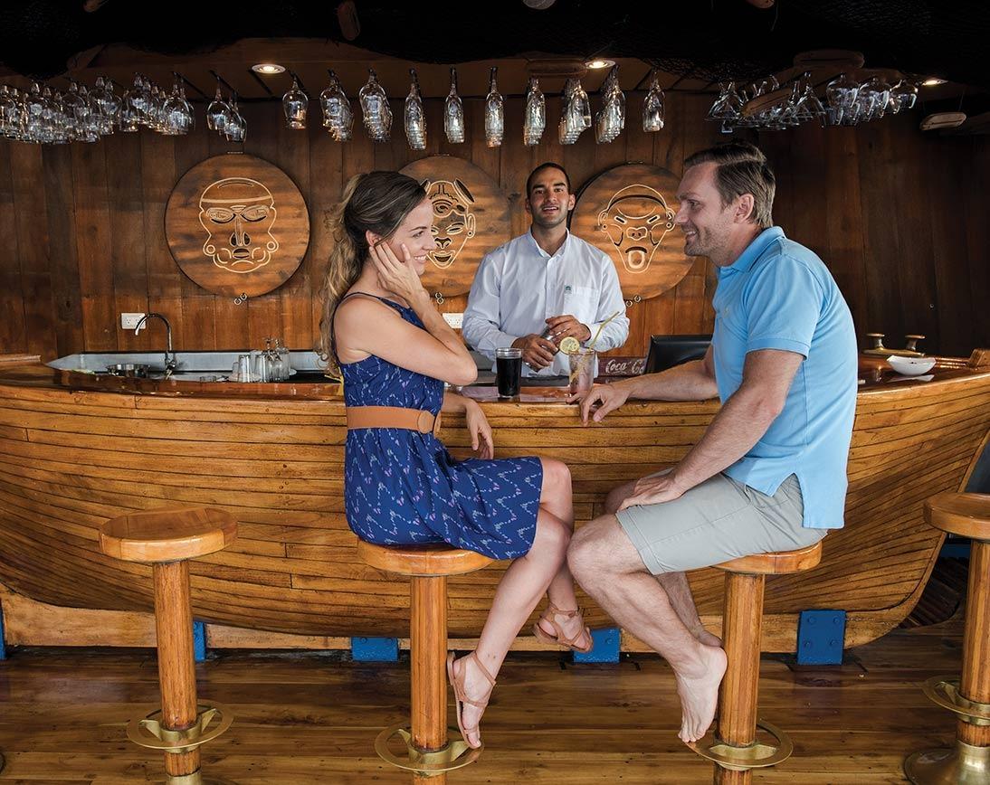 Bar   Galapagos Legend