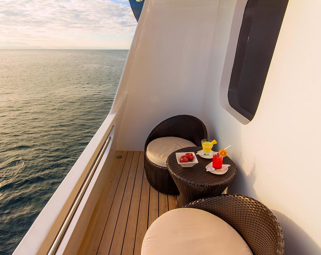 Balcony | Natural Paradise Yacht