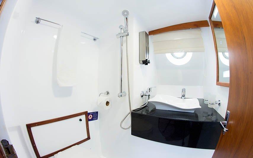 Bathroom | Nemo 2