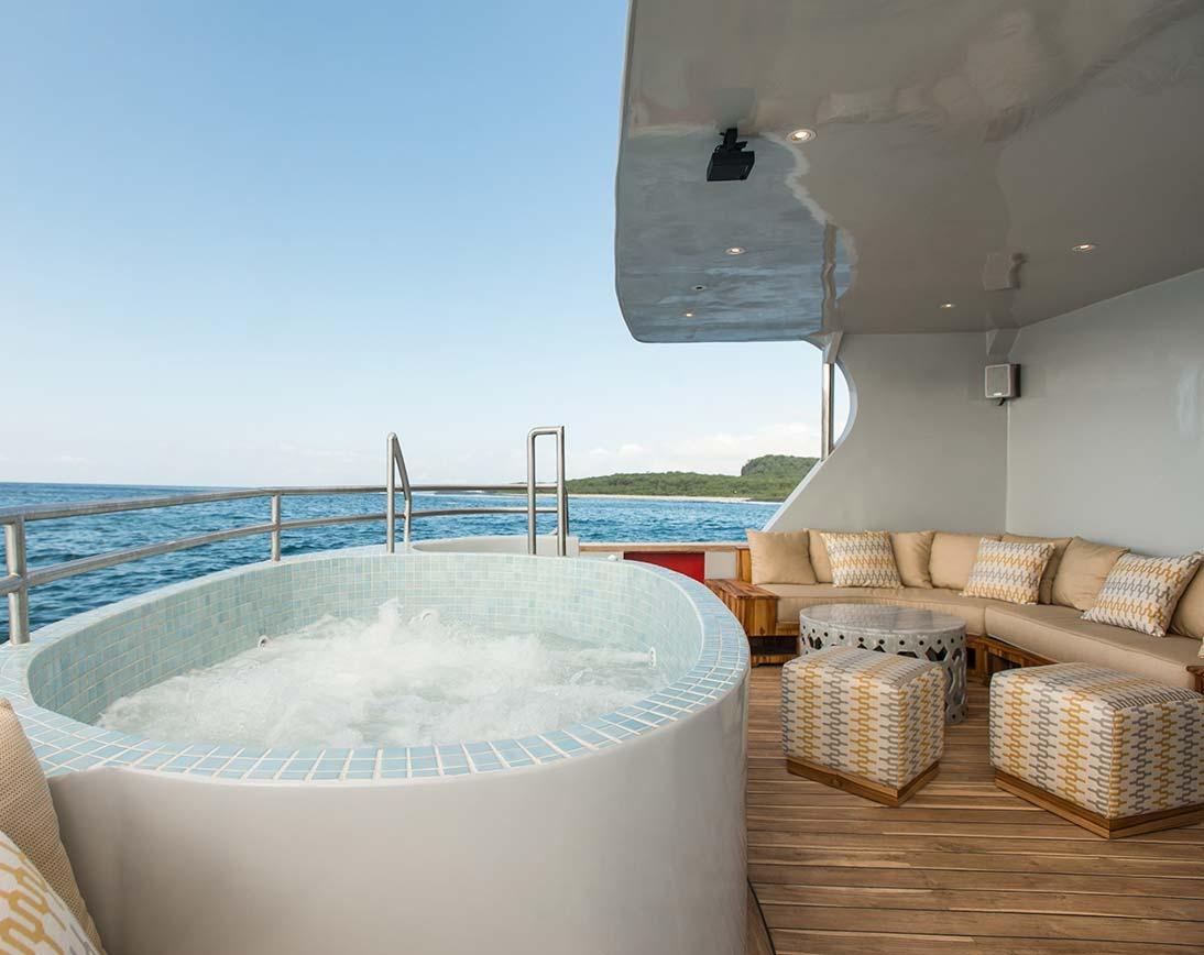 Jacuzzi | Origin Yacht