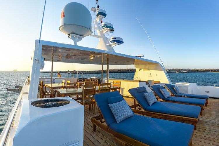 Calipso    Galapagos Cruises