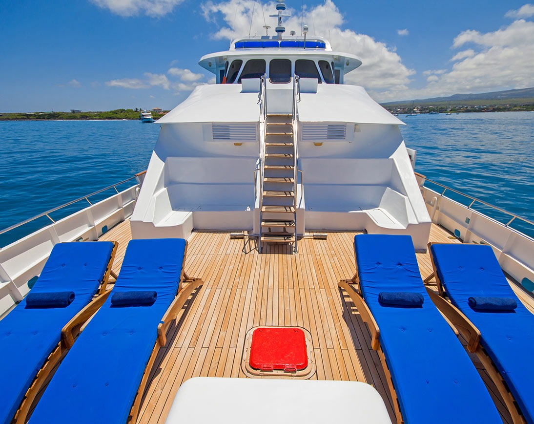Tip Top IV |  Galapagos Cruises