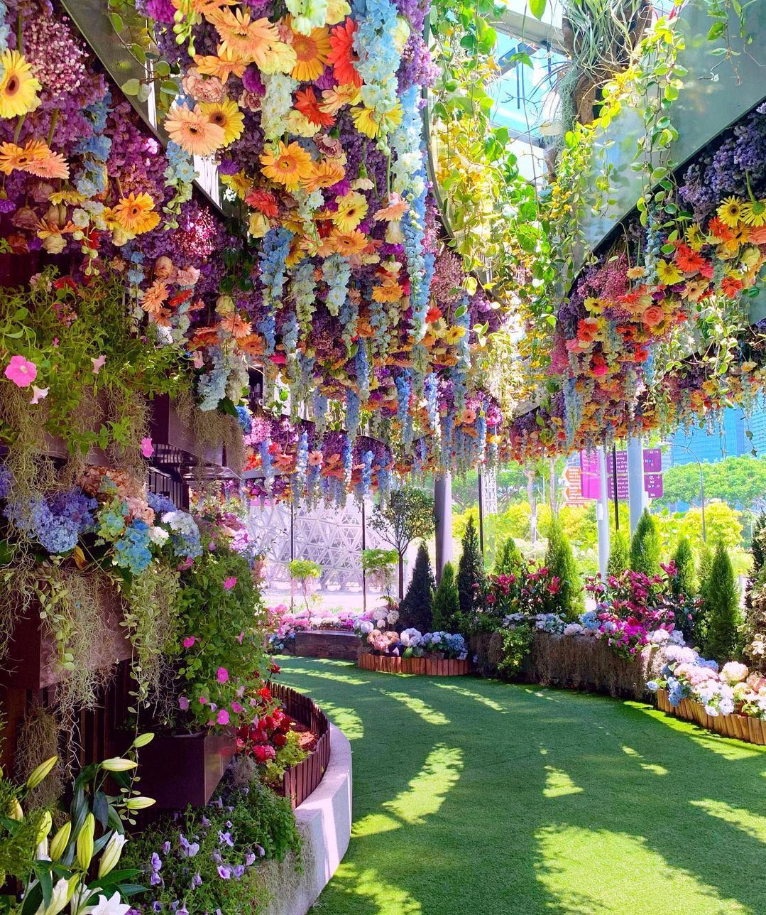 Floral Fantasy: A Floral Artistry Paradise