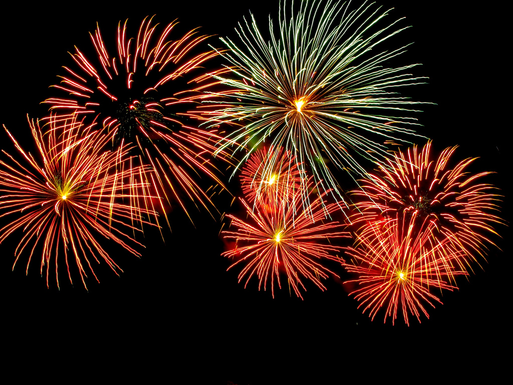 Fireworks_-_Adelaide_Skyshow_2010.jpg