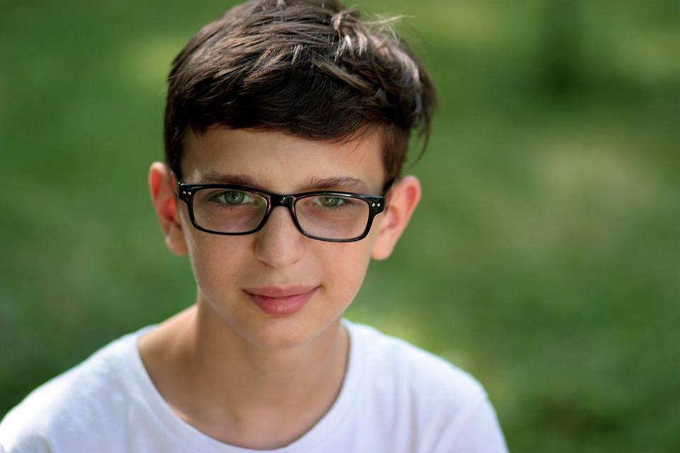 child-glasses-eye-exam