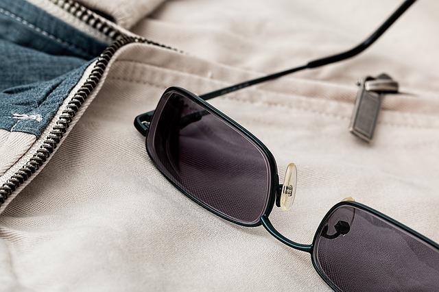 sunglasses-719454_640.jpg