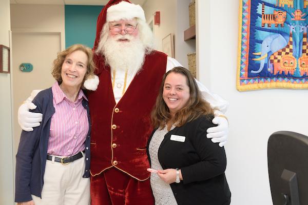 0187-Santa-at-Pediatric-Specialists-of-VA-CCBD-20171128.jpg