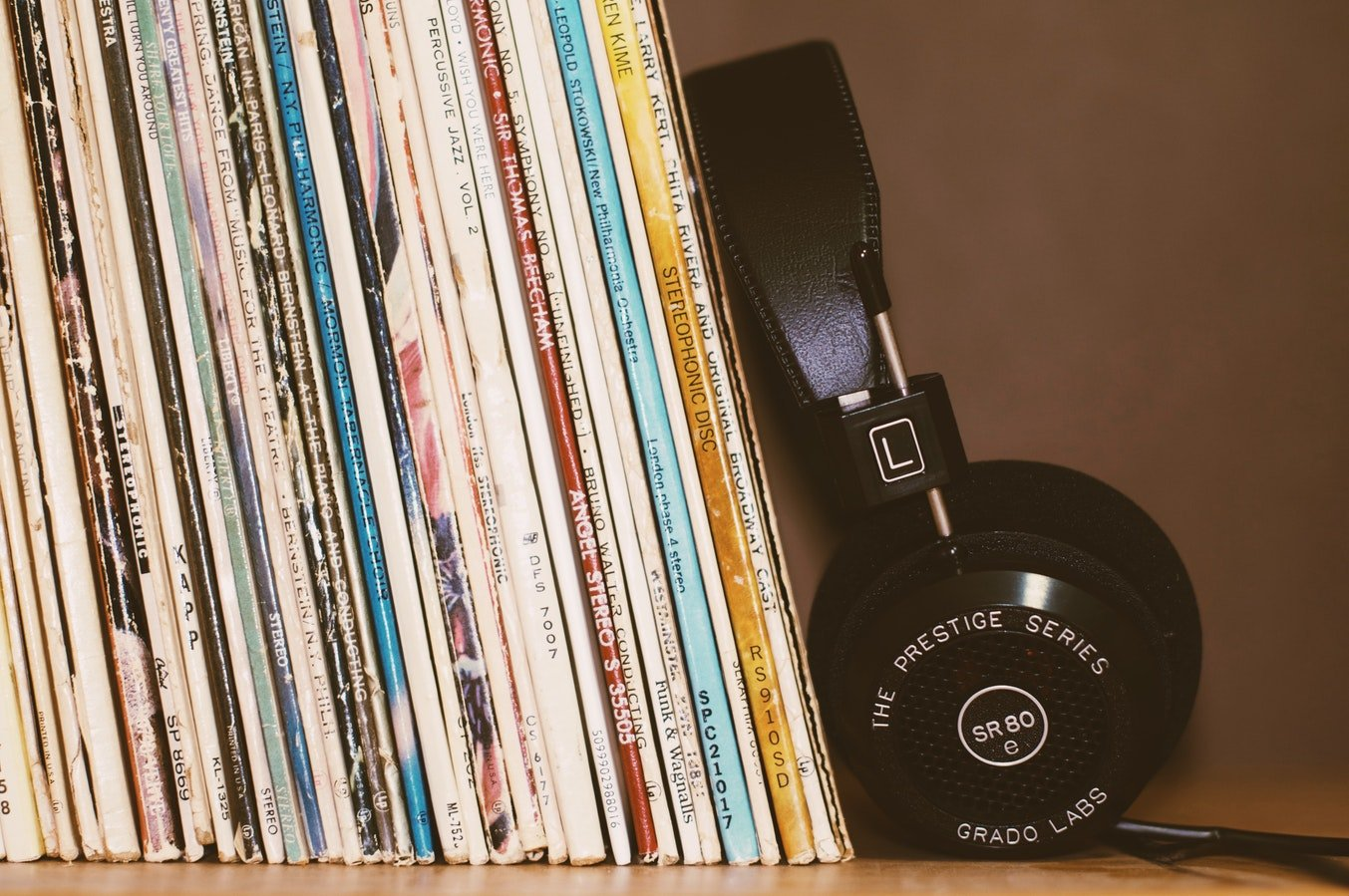 Music-Listening-Devices-Hearing-Loss