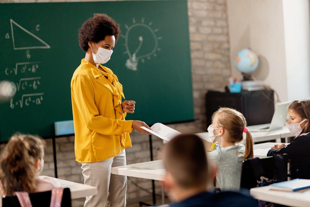 teacher teaching to the student