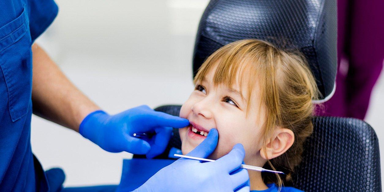 WEB-4_Blog_Dentist-Snacks_blog_image.jpeg (WEB-4_Blog_Dentist-Snacks_blog_image.webp)
