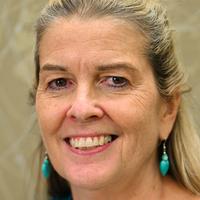 Linda Corum, headshot