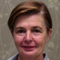 Suzanne Dowd, headshot