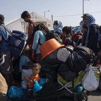 Evakuierung von Moria: Tausende Flüchtlinge gehen in Ersatzlager