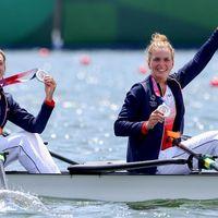 VIDEO. JO de Tokyo : Nouvelle médaille en aviron, l'argent pour Malonga et les fleurettistes françaises, Dress